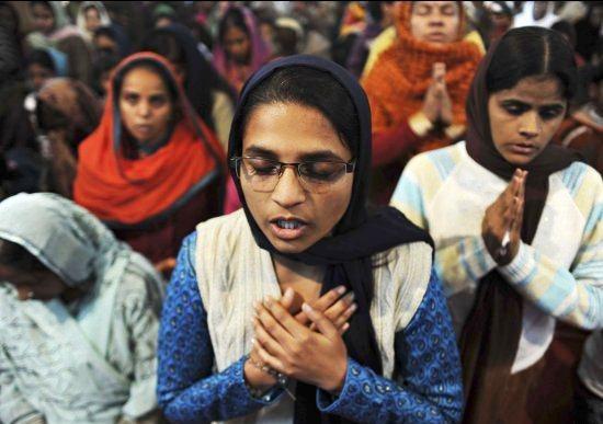 christians in prayer